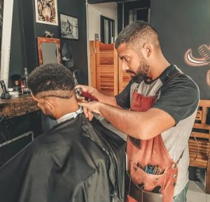 barber-in-barbershop-with-a-customer